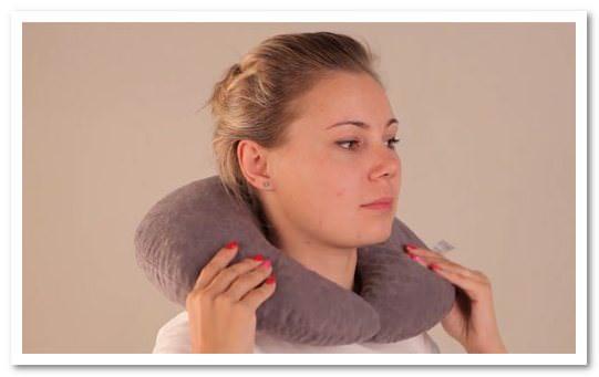 Как выглядит ортопедическая подушка для шеи?