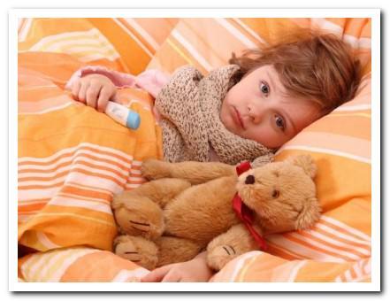 Ребенок жалуется на боль в позвоночнике