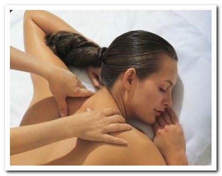 сеанс шейного массажа при остеохондрозе