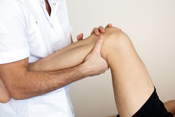 Как вправить подвывих коленного сустава