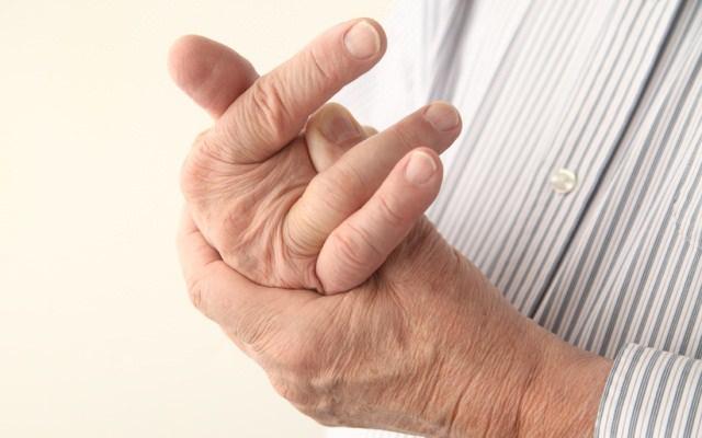 На самом ли деле вредно хрустеть пальцами?
