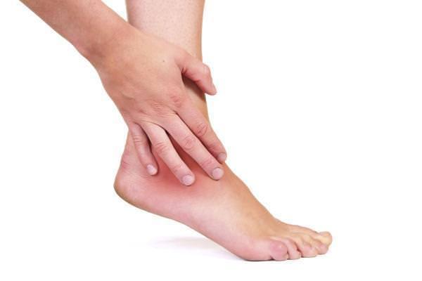 Повреждение голеностопного сустава не могу ступит на ногу как делать масаж при дисплазии суставов