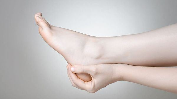 Бурсит голеностопного сустава причины симптомы и лечение