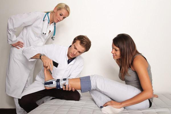 Кто такой ортопед и что он лечит?